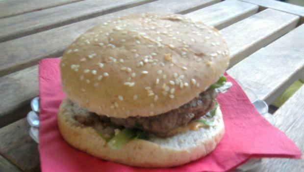 Hamburger casalinghi all'italiana