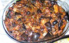 La ricetta della caponata alla siciliana per un secondo tradizionale