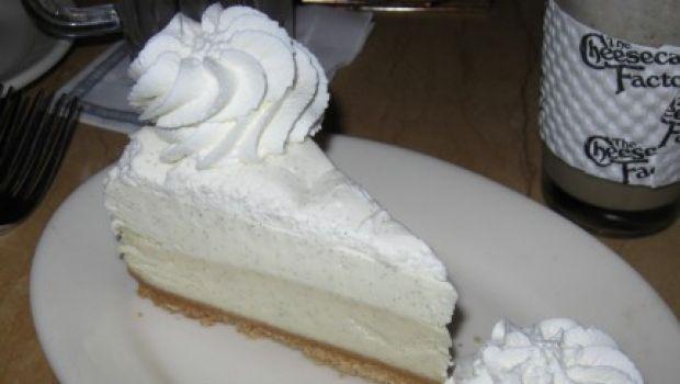 Cheesecake al cocco senza cottura, un dessert estivo