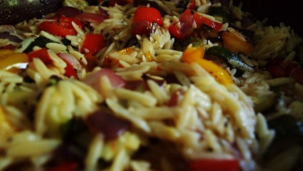 L'insalata di orzo, ricetta semplice e fresca