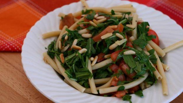 Cucinare in casa la pasta con la rucola con un perfetto risultato