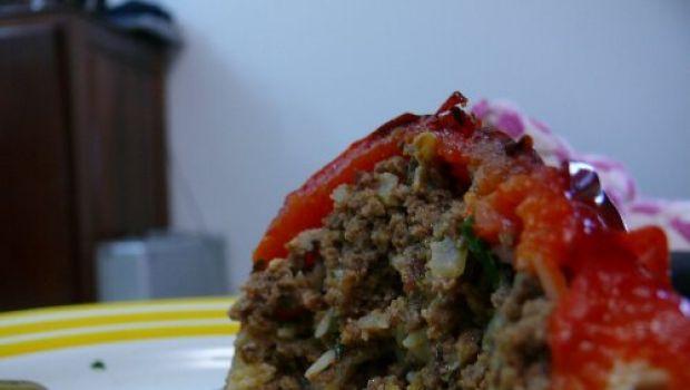 La ricetta dei peperoni ripieni di carne al forno per un secondo gustoso
