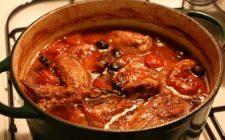 Come fare il pollo alla cacciatora con la ricetta tradizionale