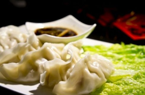 La ricetta degli Jiaozi, i ravioli cinesi al vapore o fritti