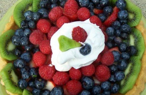 Come fare le torte di compleanno alla frutta e decorate per i bambini