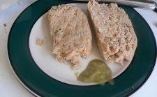 La ricetta del polpettone di tonno con patate lesse e capperi