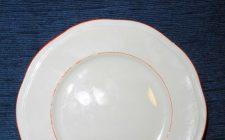 Il Galateo a tavola ci dice se lasciare cibo nel piatto e quando