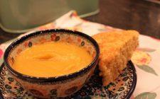 Zucca e fagioli per la zuppa autunnale gustosa