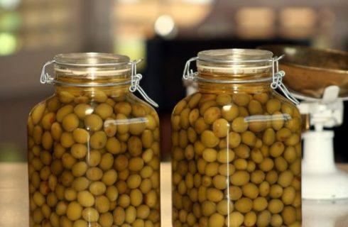 Come preparare le olive sott'olio alla siciliana