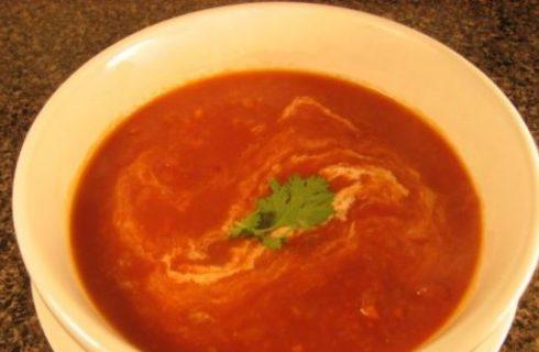 La zuppa di pomodoro, la ricetta facile e gustosa