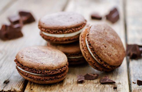 Macarons al cioccolato bianco e caffé, deliziosa magia nel minifilm Carte Noir