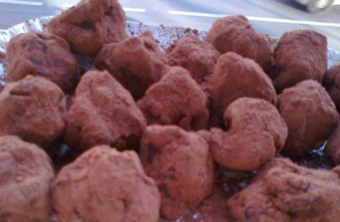 La ricetta dei tartufi al cioccolato con gli avanzi del pandoro
