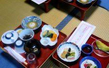 Il galateo a tavola nel mondo, un viaggio fra le diverse culture e il loro concetto di Bon Ton