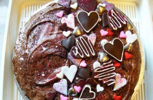 Le decorazioni per la torta per San Valentino romantiche e tenere