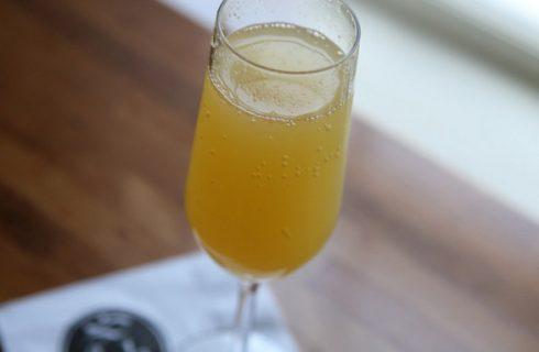 Il cocktail mimosa per la festa della donna con la ricetta e le dosi giuste