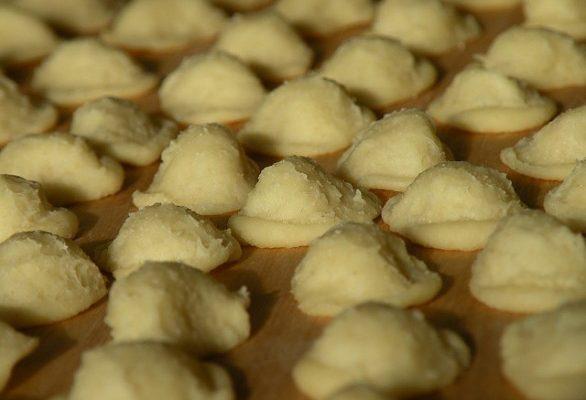 Le orecchiette al forno con salsiccia, broccoli e funghi
