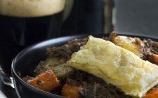 La ricetta per fare lo stufato alla Guinness con patate