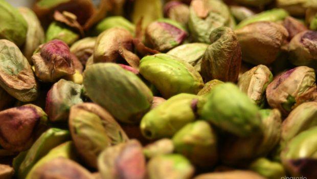 La ricetta delle tagliatelle integrali con pistacchi e agrumi