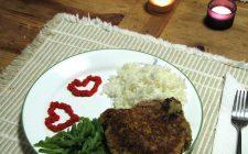 Le decorazioni della tavola per un San Valentino romantico