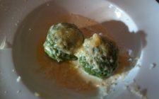 la ricetta dei canederli con spinaci in brodo