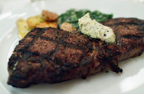 Consigli per cucinare la carne alla piastra elettrica, in ghisa o giapponese