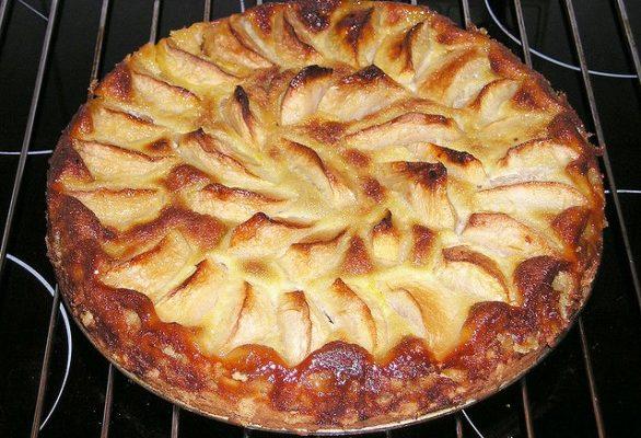 Ecco la torta di noci e mele facile da fare