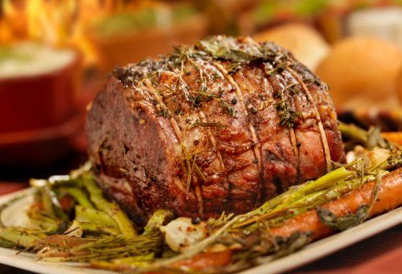 L'arrosto di bovino adulto in padella con la ricetta semplice e veloce