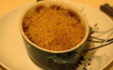 Il crumble di pere, la ricetta del dolce inglese da fare in casa