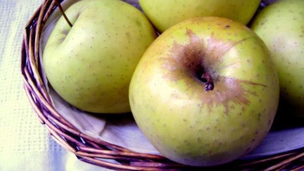 Le mele al forno con la cannella, ecco come preparle in casa