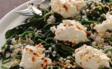 Ecco gli spinaci filanti con mozzarella e formaggio