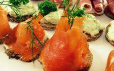 Le ricette degli stuzzichini di pesce per un aperitivo con amici