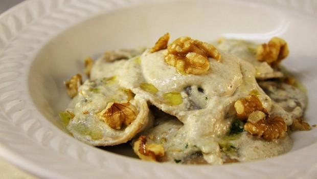 La ricetta del sugo di noci alla genovese