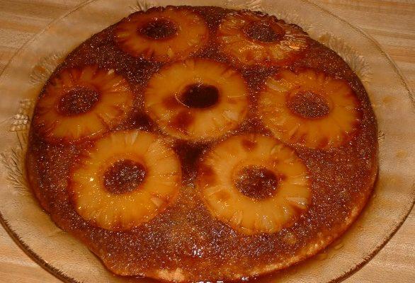 Ecco la torta all'ananas con la ricetta facile