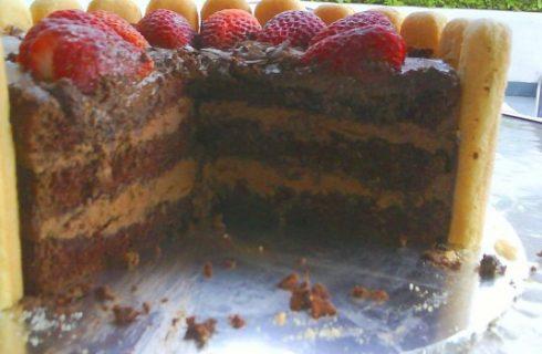 Ecco la torta charlotte al cioccolato con la ricetta semplice da fare