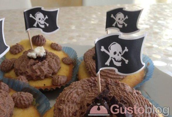 I cupcake decorati con glassa al cacao, la foto ricetta semplice
