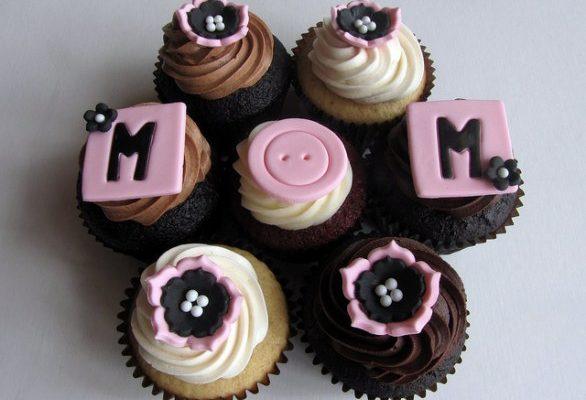 Come fare i cupcake per la Festa della mamma e alcune idee per la decorazione