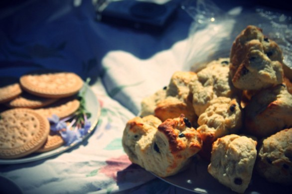 Il pane dolce con l'uvetta per la prima colazione