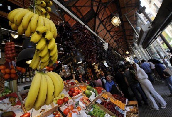 Banana e platano: differenze e curiosità su due frutti dall'aspetto simile