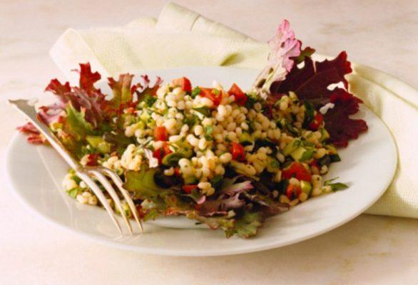 L'insalata fredda di orzo, la ricetta semplice
