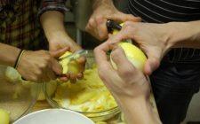 La marmellata di limoni da fare con la ricetta delicata e veloce