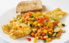 La ricetta dell'omelette alle verdure semplice da fare