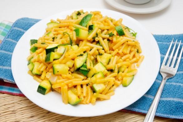 Pasta con robiola e zucchine sfizioso primo piatto estivo
