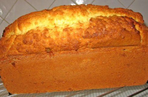 Il plumcake all'arancia per una deliziosa colazione estiva