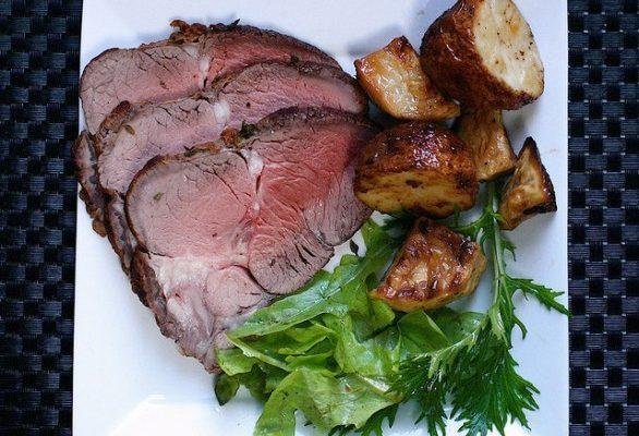 Come fare il roast-beef con la ricetta inglese e quali sono i tempi di cottura perfetti