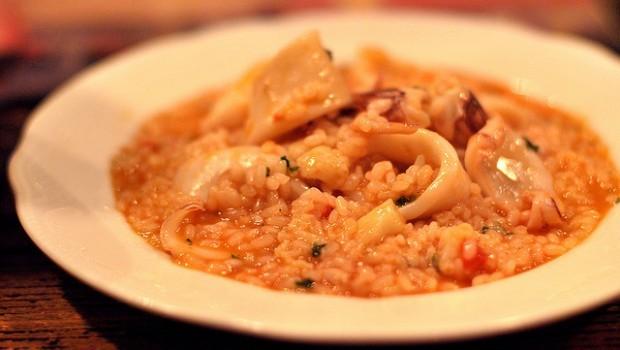 Il risotto con i calamari con la ricetta semplice