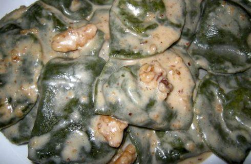 La salsa di noci, la ricetta per farla in casa
