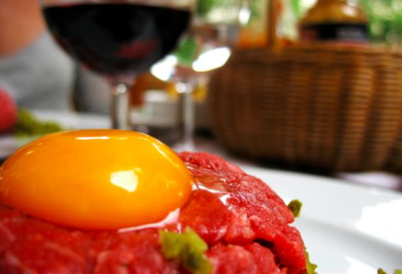 Carne al ristorante francese, come ordinare senza brutte sorprese