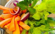 Ecco la ricetta del pinzimonio e quali verdure scegliere