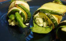 La ricetta dei rotolini di zucchine farciti al caprino