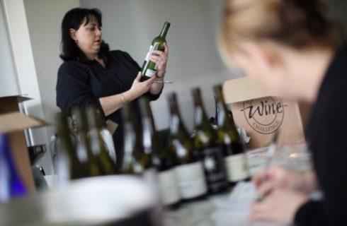 Bottiglie per vino, come sceglierle per imbottigliare il vino